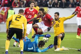 En fotos: un penal inexistente dio inicio a la goleada de Suiza sobre Bélgica