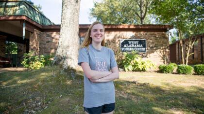 Helmi Helkin, líder del grupo de escoltas en la West Alabama Clinic, la única clínica en Tuscaloosa y una de las tres existentes en el estado.