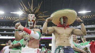 Fanáticos de México y Venezuela gazaron de un partido cardiaco