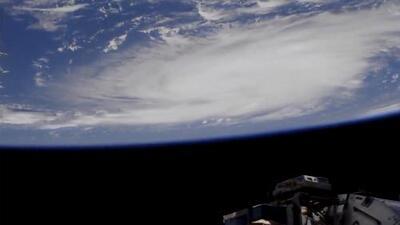 Dorian ya es huracán categoría 2 y aumenta su fuerza mientras avanza hacia Florida