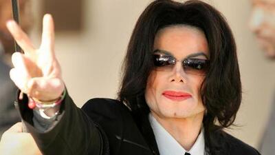 Michael Jackson fue castrado químicamente por orden de su padre, según su médico personal