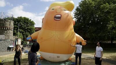 El polémico globo gigante elaborado para protestar contra Donald Trump en el Reino Unido