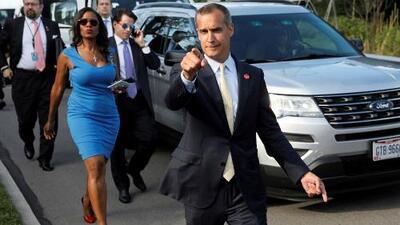 La foto viral en donde aparecen cuatro exfuncionarios de la Casa Blanca