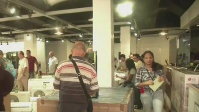 Con largas filas comienza en Cuba la venta de electrodomésticos en tiendas del gobierno