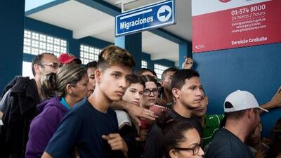 Perú flexibiliza el cierre de la frontera a los venezolanos: deja una puerta abierta para niños y embarazadas