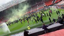 ¡Fans de Manchester United toman Old Trafford como protesta!