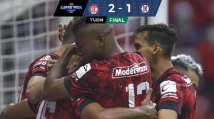 Con muy polémico arbitraje, Toluca tomó mínima ventaja ante Cruz Azul