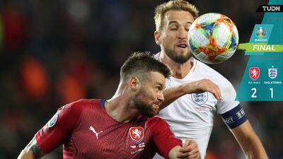 República Checa rompe la racha invicta de Inglaterra