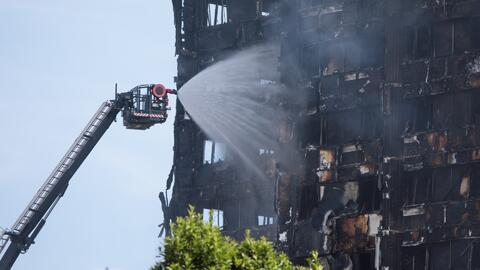 """""""En 5 minutos la torre se convirtió en un infierno"""", cuenta testigo de incendio en Londres"""