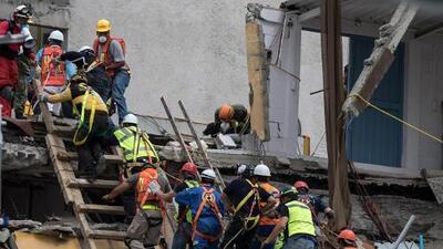 México continúa las labores de rescate mientras se reducen a cada minuto las esperanzas de encontrar sobrevivientes