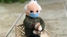 Venden en más de $20,000 un muñeco de Bernie Sanders tejido por una mujer de Texas