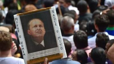 Dan el último adiós al candidato brasileño Campos, mientras se perfila posible sucesora