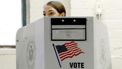 En fotos: Así votaron algunos candidatos claves para sus partidos en las elecciones de mitad de periodo