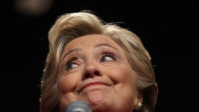 Hillary mostró dignidad, contestó con seriedad y resolvió la pregunta sobre ser digna de confianza