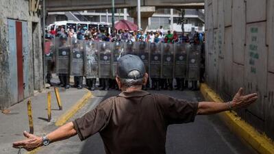 Saqueos en Venezuela por la falta de alimentos provocan enfrentamientos con los militares