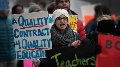 Educación: ¿Qué ha logrado Lori Lightfoot en sus primeros 100 días como alcaldesa de Chicago?