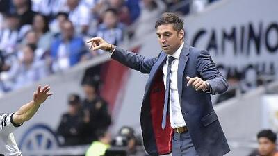 """Diego Alonso se lamenta, tras el empate ante León: """"Dejamos que el rival se metiera al partido"""""""