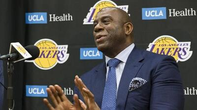 'Magic' Johnson deja de ser el presidente de los Lakers de Los Angeles