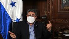 El presidente de Honduras recibió un soborno de $250,000 de narcotraficantes, según testigo en un tribunal de Nueva York