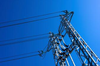 Estos consejos te ayudarán a ahorrar dinero por el consumo de energía durante el verano