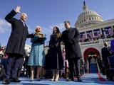 """""""Poner fin a esta guerra incivil"""": el llamado de Newsom a Biden en su primer día de gobierno"""