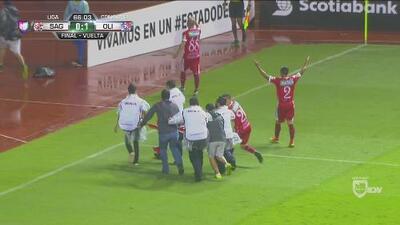Momentos de angustia se vivieron en el duelo de Santos vs. Olimpia