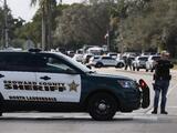 Dos agentes del FBI mueren en un tiroteo en un complejo de apartamentos en Florida