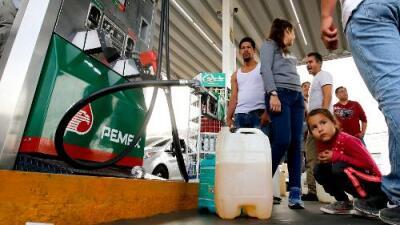 Largas filas en México por desabastecimiento parcial de gasolina en varios estados