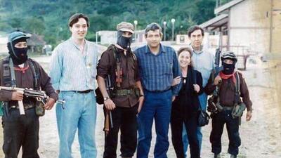 """AMLO comparte una vieja foto junto al subcomandante Marcos que """"vale más que mil palabras"""""""