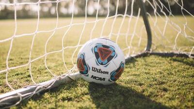 La liga de fútbol de West Lawn busca a niños y jóvenes que quieran unirse a sus equipos