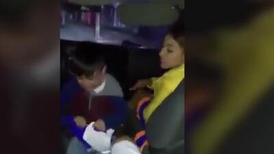 Momento insólito: animadora infantil mexicana golpea e insulta a un menor de edad