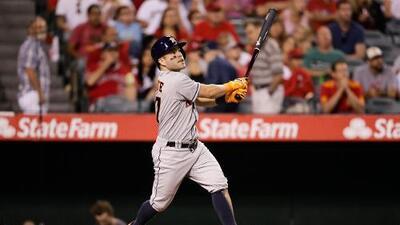 ¡Duro golpe! Los Astros pierden a José Altuve por casi dos semanas