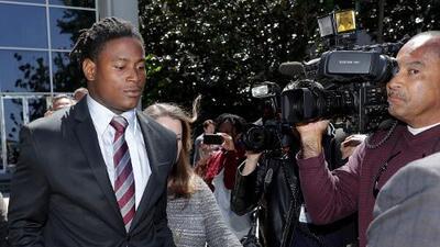 Reuben Foster de San Francisco, acusado de delito grave por darle una golpiza a su novia