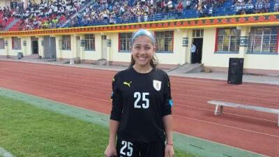 Jennifer Sosa, la arquera uruguaya de 14 años que juega el Mundial Femenil Sub-17