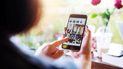 ¿Debería haber un 'Tristegram'? Consejos para ser tan feliz como en las redes sociales (sin envidiar a los demás)