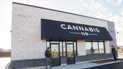 Canadá legaliza desde hoy la venta de marihuana para consumo recreativo