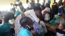 Entre lágrimas y cantos: decenas de estudiantes se reúnen con sus padres tras meses de secuestro