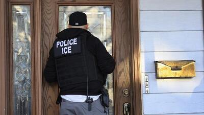Ante las amenazas de deportaciones este domingo, es importante conocer tus derechos