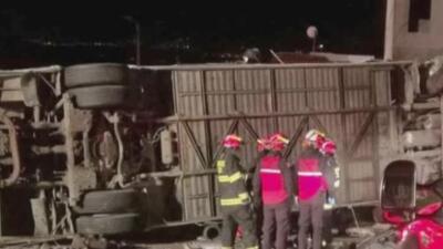 Accidente de autobús en Ecuador deja al menos 23 muertos