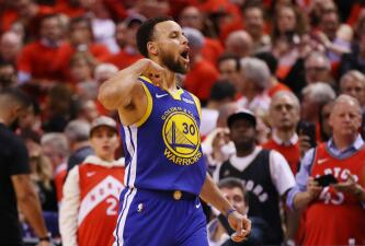 En fotos: Stephen Curry y Klay Thompson salvan a Golden State y devuelven la serie a Oracle Arena