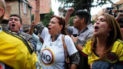 Colombia dice 'no' al acuerdo de paz con la guerrilla de las FARC en un plebiscito muy reñido