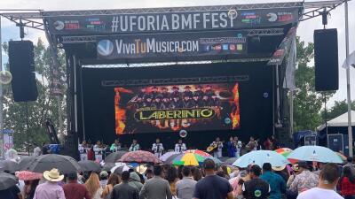 Música, baile y deliciosos antojitos: Así se vive el festival de El Bueno, La Mala y El Feo