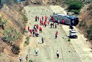 Autobús de Huracán se volcó de camino al Aeropuerto de Caracas