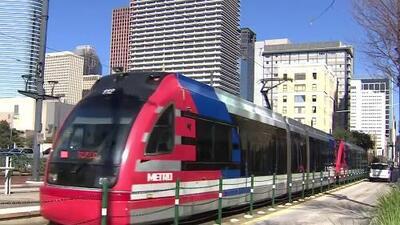Metro en Houston tendrá viajes gratuitos en la tarde del 31 de diciembre y la madrugada del 1 de enero