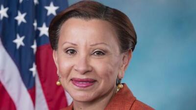 Arrestan a hombre de Queens que amenazó de muerte a la congresista Nydia Velázquez