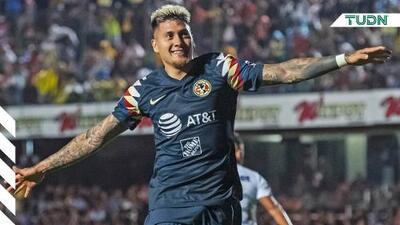 Nicolás Castillo causa baja en Chile