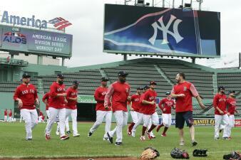 Los Red Sox se aprestan a recibir a los Yankees en el Juego 1 de la ALDS en Fenway Park