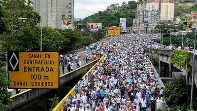 Cómo las protestas han cambiado las calles y autopistas de Caracas