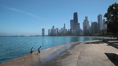Distrito de Parques de Chicago advierte que la tierra a lo largo del lago Michigan está desapareciendo