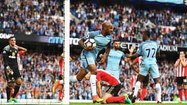 Manchester City sufre ante Sunderland y salva los 3 puntos por un autogol